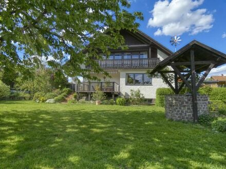 Bestens gepflegtes Einfamilienwohnhaus mit großem Garten in Ortsrandlage - Kemmern