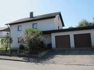 schönes solides Einfamilienhaus in ruhiger Wohnlage m. schönem Garten, Terrasse, Freisitz u. Doppelgarage