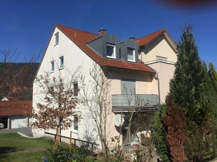 Eine richtig Schöne ... helle Maisonette-Eigentumswohnung mit Balkon