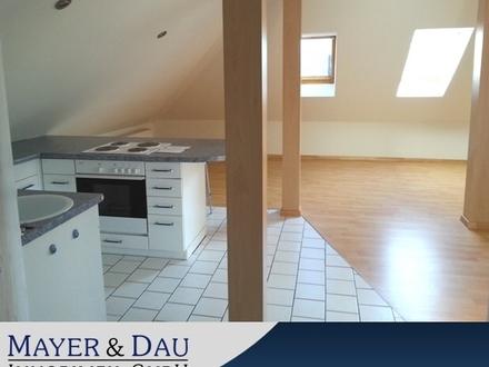 Kleine DG-Wohnung mit Einbauküche in Rastede (Obj. Nr. 3883)