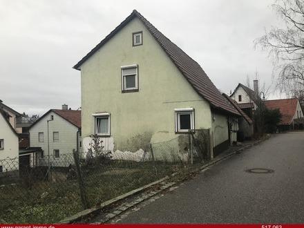 Sanierungsbedürftiges Einfamilienhaus mit ausbaufähiger Scheune!