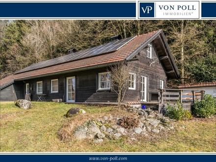 Einfamilien-Holzblockhaus mit 4 Fischweihern auf 9090 m² Grund