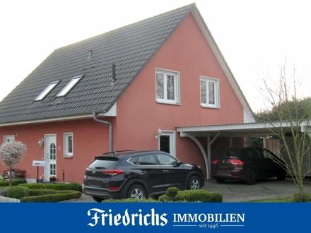 Neuwertiges Einfamilienhaus mit Doppelcarport im Zentrum von Edewecht
