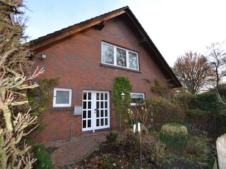 Wohnhaus mit Baugrundstück in idyllischer Lage von Oldenburg