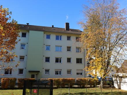 Gut geschnittene 3 Zimmerwohnung mit Westbalkon und Garage