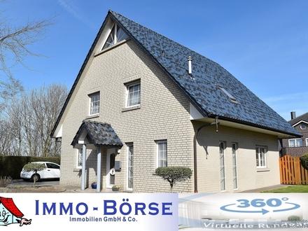 Willkommen in Bösel: Familiengerechtes Einfamilienhaus in zentraler Lage!!
