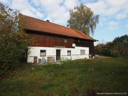 Sanierungsbedürftiges Haus zwischen Mitterfels und Haselbach