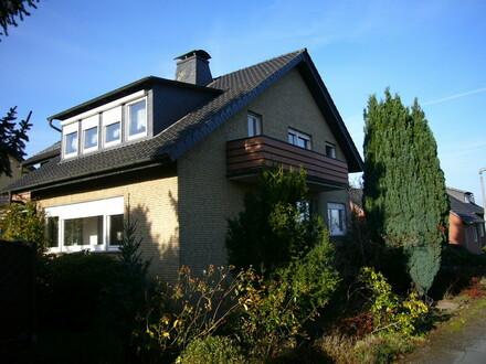 Schönes Zweifamilienhaus in attraktiver Familienlage!