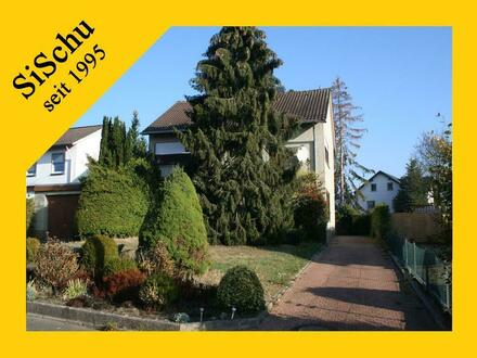 Freistehendes Einfamilienhaus mit sonnigem Grundstück