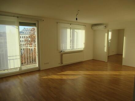 Top Dachgeschoß Apartment mit 2 Terrassen/ optimale Anbindung