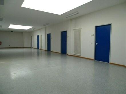 Moderne und technisch gut ausgestatte Büroräume mit Stellplätzen zu vermieten - Zentrumsnah!