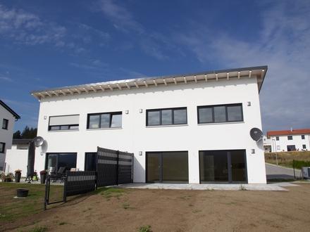 Großzügige Doppelhaushälfte in Massivbauweise und KfW55-Standard