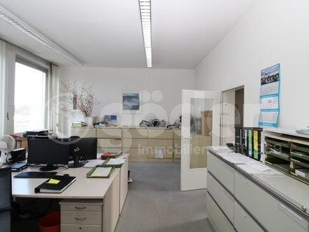 Büro-/Praxisflächen mit Aufzug!
