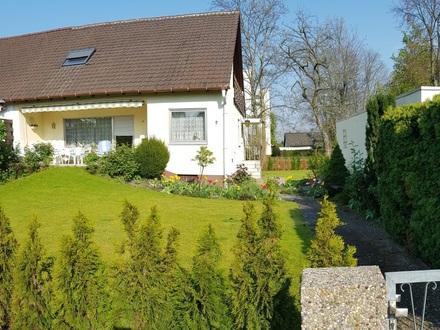 Großzügige DHH / 1 Familien-Wohnhaus mit schönem Garten am Stadtrand von FT in Mörsch zu verkaufen
