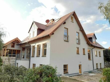 6 7 0. 0 0 0,- für hochwertiges 2 7 0 qm Einfamilienhaus + Nebengebäude am Ortsrand mit Weitblick