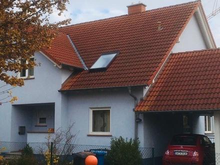 Gepflegte Doppelhaushälfte mit Carport in Obernau