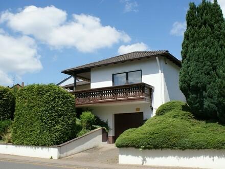 **Zu spät - bereits verkauft ** - Einfamilienhaus mit Garage und Garten in guter Wohnlage