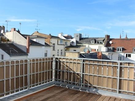 sonniges 3-Zimmer-Wohnung mit Dachterrasse, komplett saniert!