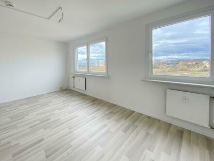 Traumhaft schön renovierte 4-Raum-Wohnung! Jetzt 500 EUR Gutschein* sichern!