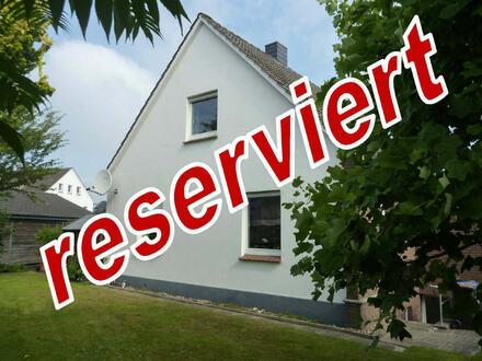 Frisch renoviertes Einfamilienhaus im beliebten Bad Oeynhausener Ortsteil Lohe!