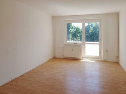 3 Zimmer Wohnung mit Balkon und ein 750EUR Mediamarktgutschein obendrauf