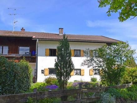 Bauernhaus mit Bergblick und Bauplatz