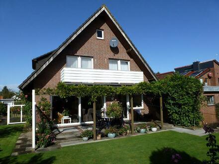 TT Immobilien bietet Ihnen: Großzügiges Einfamilienhaus in ruhiger zentrumsnaher Lage!