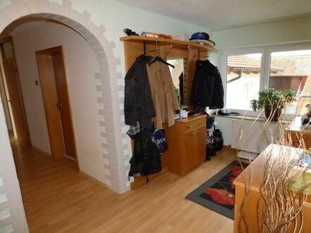 1 4 5 qm Familienwohnung in ruhiger Lage + GARTEN Nutzung + 2 mal BALKON + KAMIN Ofen + GARAGE