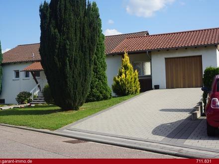 *** Gepflegtes Wohnhaus mit Einliegerwohnung in begehrter Wohnlage von Gemmingen ***