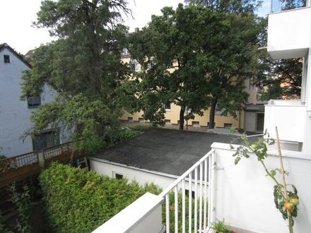 Hell, ruhig & zentral: 3 ZKB mit kleinem Balkon in Augsburg