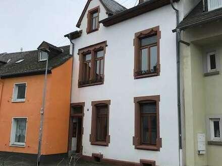 Provisionsfrei Jugendstilhaus mit Hinterhaus und ehemaliger Sattlerei in Heiligkreuz