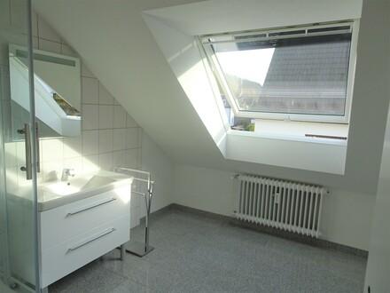 Modernisierte DG-Wohnung in Bielefeld-Gadderbaum