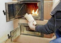Gespaltenes Holz brennt besser