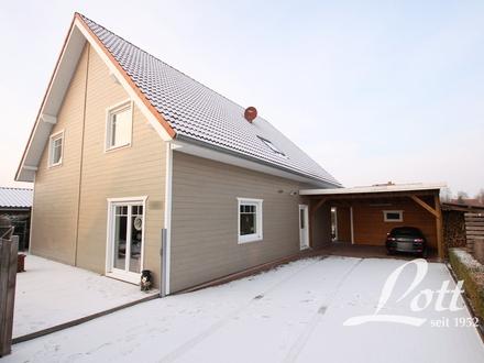 +++ Holzhaus mit außergewöhnlicher Wohnatmosphäre und hohem energetischen Standard! +++
