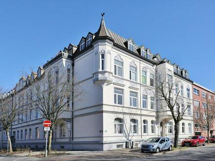 TT Immobilien bietet Ihnen: Klasse Vier-Zimmer-Wohnung am Valoisplatz!