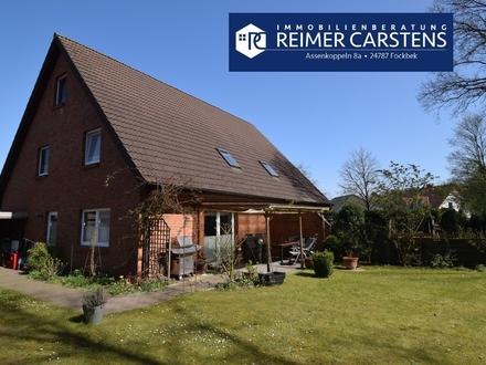 Geräumige, helle Doppelhaushälfte mit Carport in ruhiger Wohnlage von Osterrönfeld