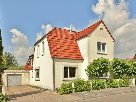 TT bietet an: Großes Haus in Himmelreich!