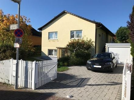 ImmobilienPunkt*** Mainz-Finthen - Großes, gepflegtes Einfamilienhaus mit ELW, Garten und Garage
