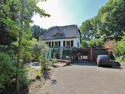 Offene Single-Wohnung mit Wintergarten und wunderschönem Blick ins Grüne!