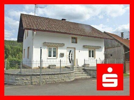 Kleines Einfamilienhaus wartet auf den Feinschliff - Nähe Tittling
