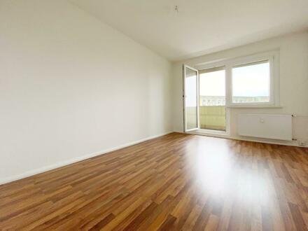 2-Raum Wohnung mit Weitblick und Balkon!