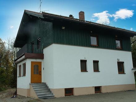 Kernsanierte 2-Zimmer-Wohnung im 1.OG mit großem Balkon und wunderbarem Ausblick in Unterzeitldorn