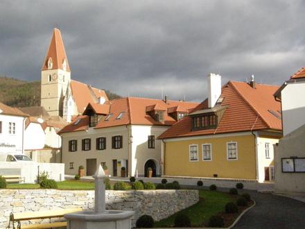 Rathausplatz 30