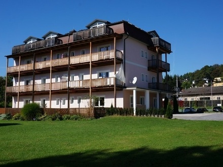 TOP 3 - Kleine Garten - Single Wohnung nicht weit vom Wörthersee entfernt.