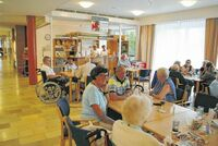 Bezirksalten- und Pflegeheim Eferding: Tag der Altenarbeit mit Oktoberfest, Heimbesichtigung und Ausbildungsinfo