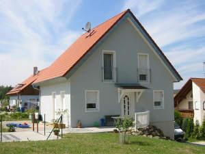 Einfamilienhaus mit Keller auf einem Grundstück Ihrer Wahl