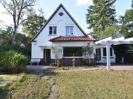 Hatten-Sandkrug: Gemütliche, renovierte 3-Zimmer-Wohnung im Erdgeschoss mit großem Garten, Obj. 5309