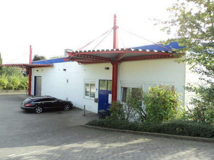 Großzügige Lagerhalle mit Büro und Sozialräumen im Industriegebiet von Bielefeld-Hillegossen!