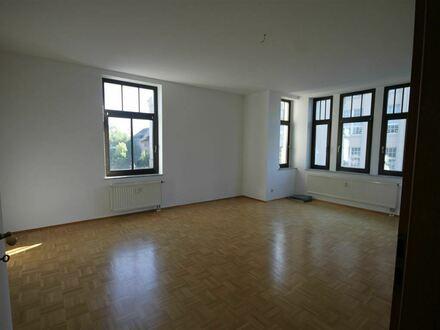 +++ Großzügige 3 Raum Wohnung in Schönau sucht Mieter, EBK möglich! Auch WG geeignet +++