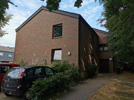 0281- SOFORT BEZUGSFREI! 3-Zimmer-Wohnung mit Balkon nähe Flötenteich